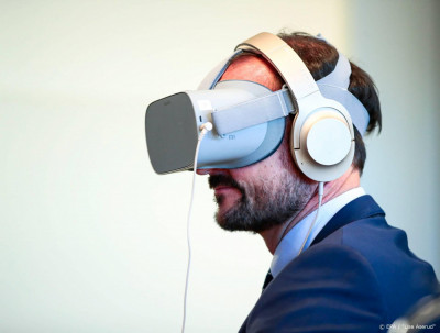 Huis bezichtigen met virtual reality bril populair in VK