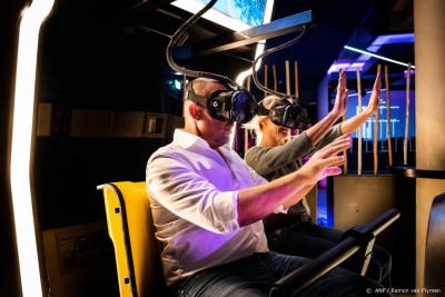 Rotterdamse schoolkiezers bezoeken middelbare scholen in VR